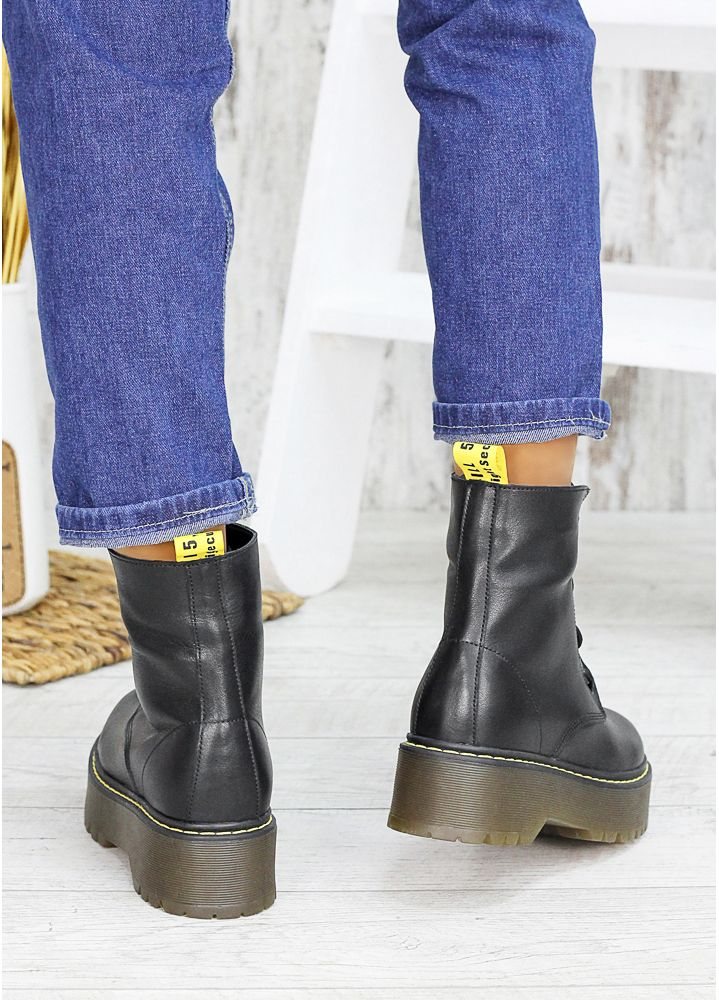 Ботинки кожаные Mart!ins 7452-28