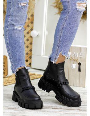 Ботинки з резинкою чорна шкіра 7808-28