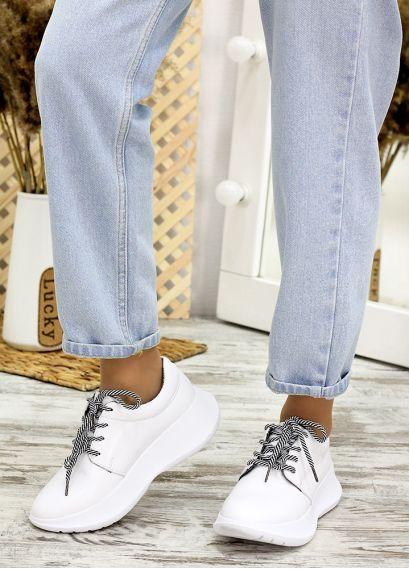 Кросівки білі шкіряні 7706-28