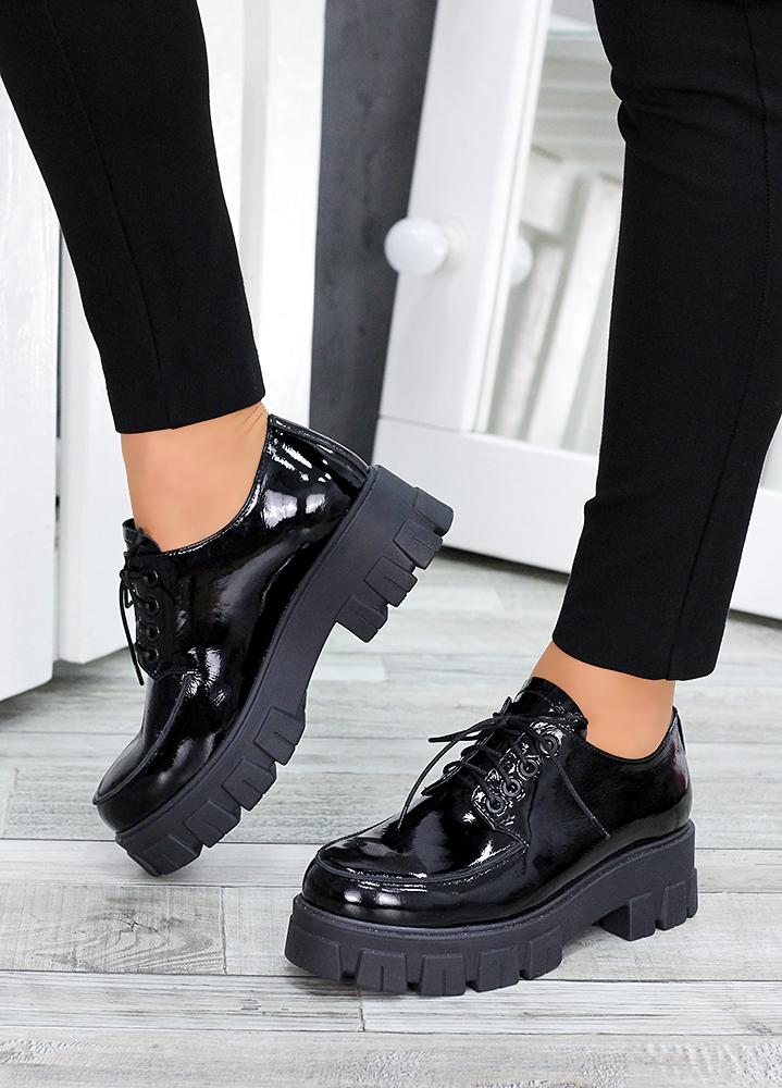Туфлі броги чорна лак-шкіра 7494-28