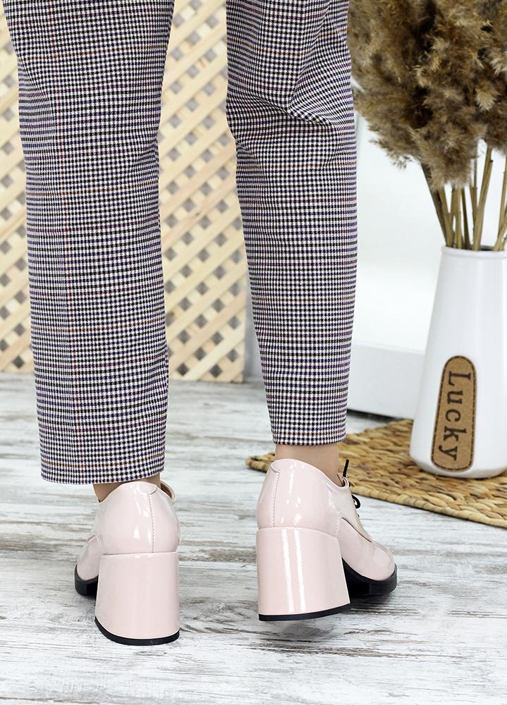 Туфлі на товстому каблуці пудра лак-шкіра 7658-28