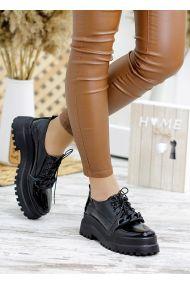 Туфлі броги чорна лак-шкіра Сhain 7789-28